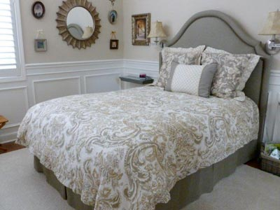 Full Size Bed with Mouse Bed Skirt