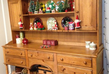 Hutch for the Holidays – December
